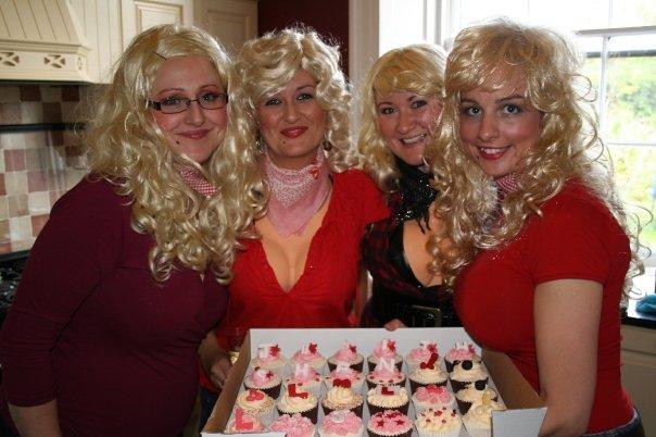 Hen Weekend Cupcakes Cakes By Lizzie Edinburgh