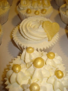 Golden 50th wedding anniversary celebration cupcakes