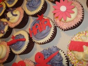 Hair, scissors, brush, comb cupcakes