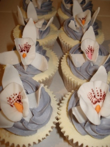 Orchid flower cupcakes