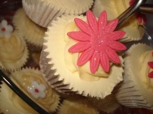Cerise cupcake flower