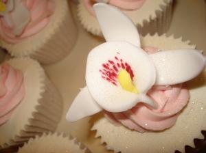Pretty Orchid cupcake