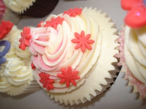 Pretty flower cupcake