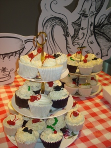 Red string, caterpilla and spider cupcakes