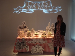 Lizzie on her cake stand