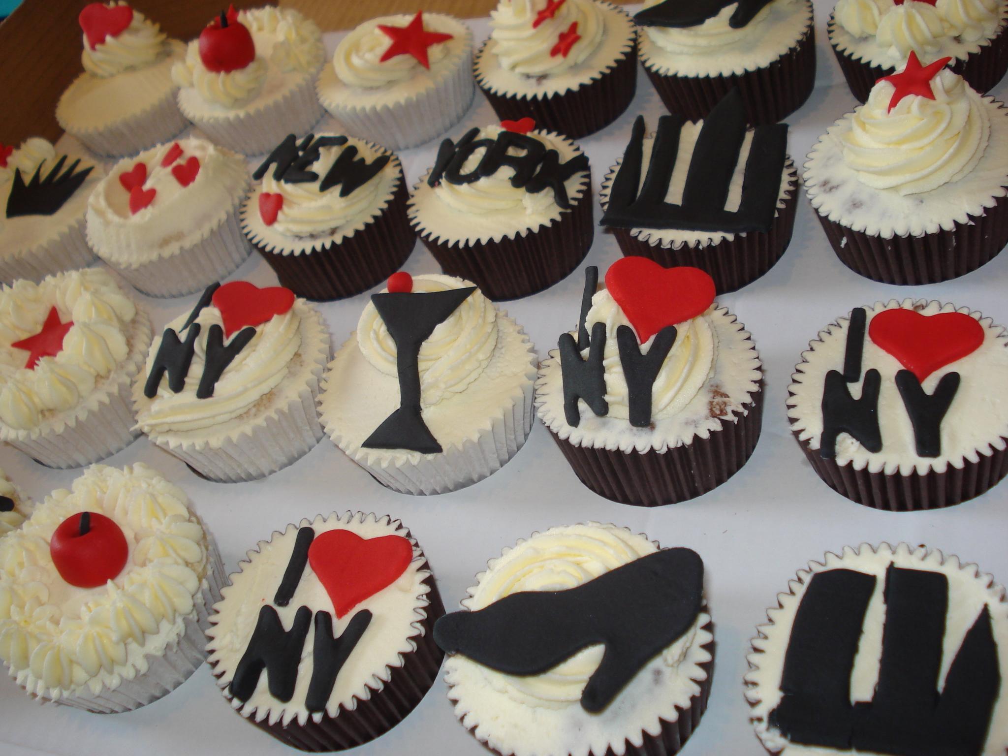 New York New York Cupcakes Cakes By Lizzie Edinburgh