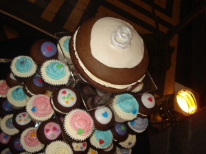 Cake Decorating Classes Mansfield Uk : Wedding whoopies and cupcakes   CAKES BY LIZZIE, EDINBURGH