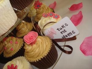 Pink rose cupcake to take home!