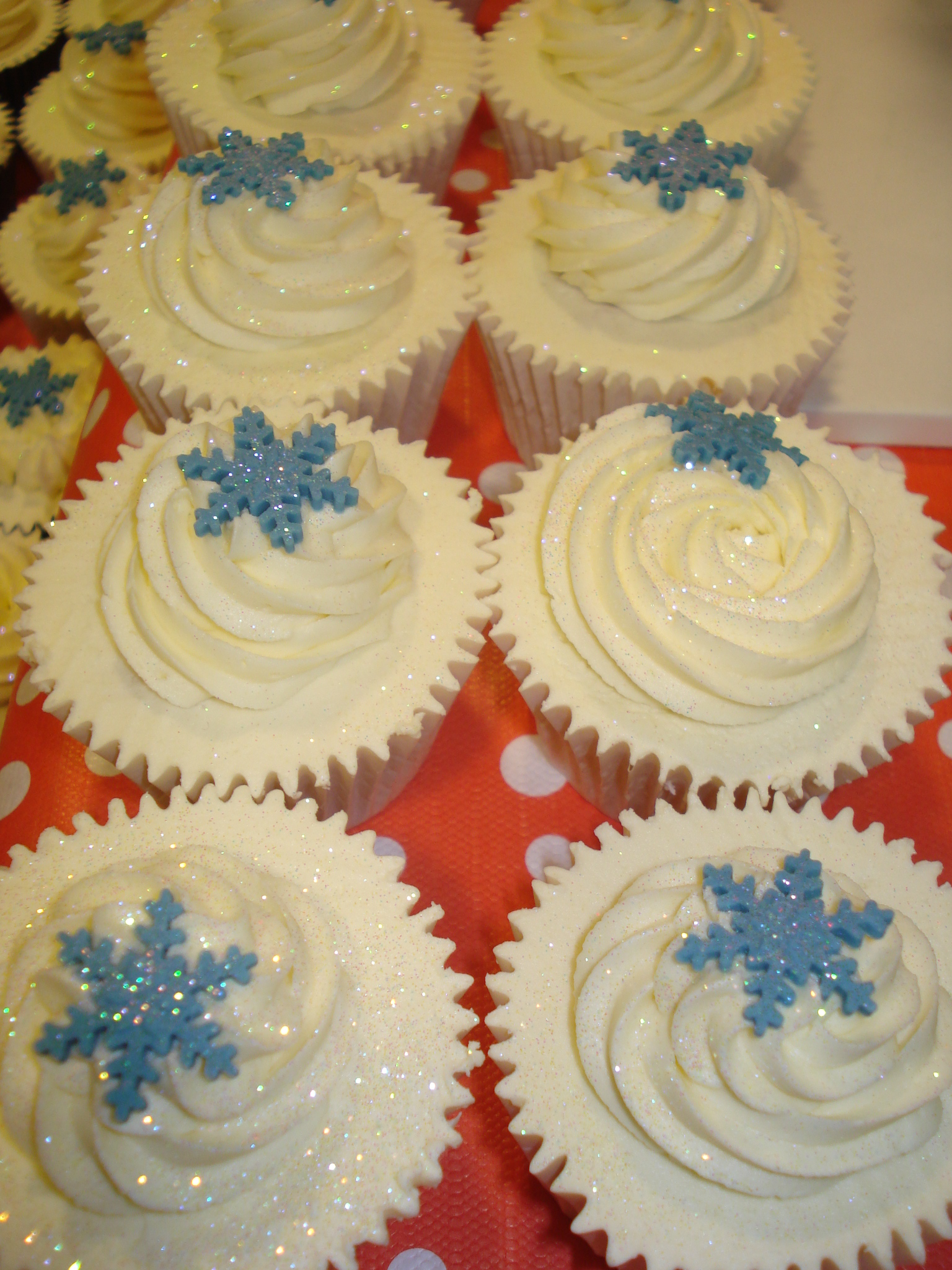Christmas Cupcakes Are Here Cakes By Lizzie Edinburgh