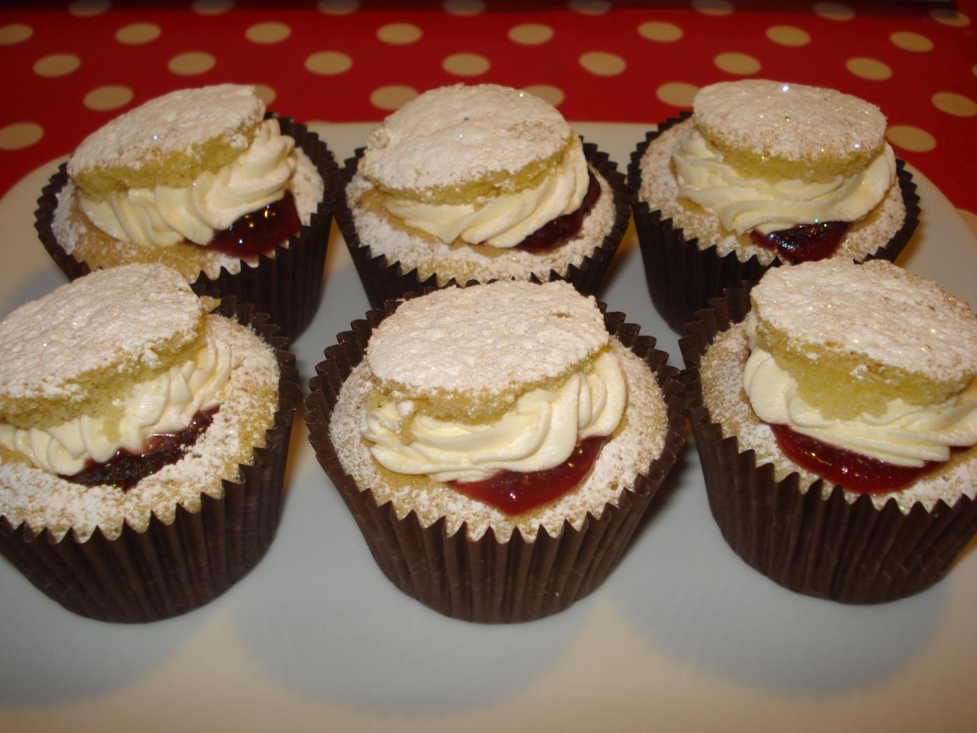 Traditional Victoria Sponge Cupcakes