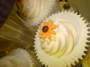 Golden sunflower cupcake