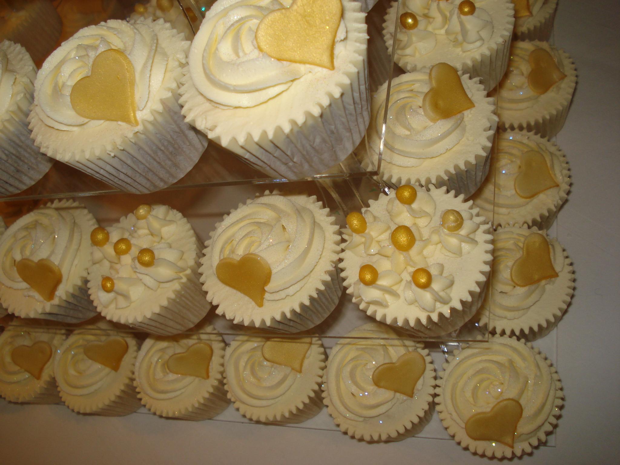 weddings  weddings and more weddings  u2013 cakes by lizzie