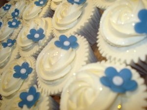 Cornflower blue flower wedding cupcakes