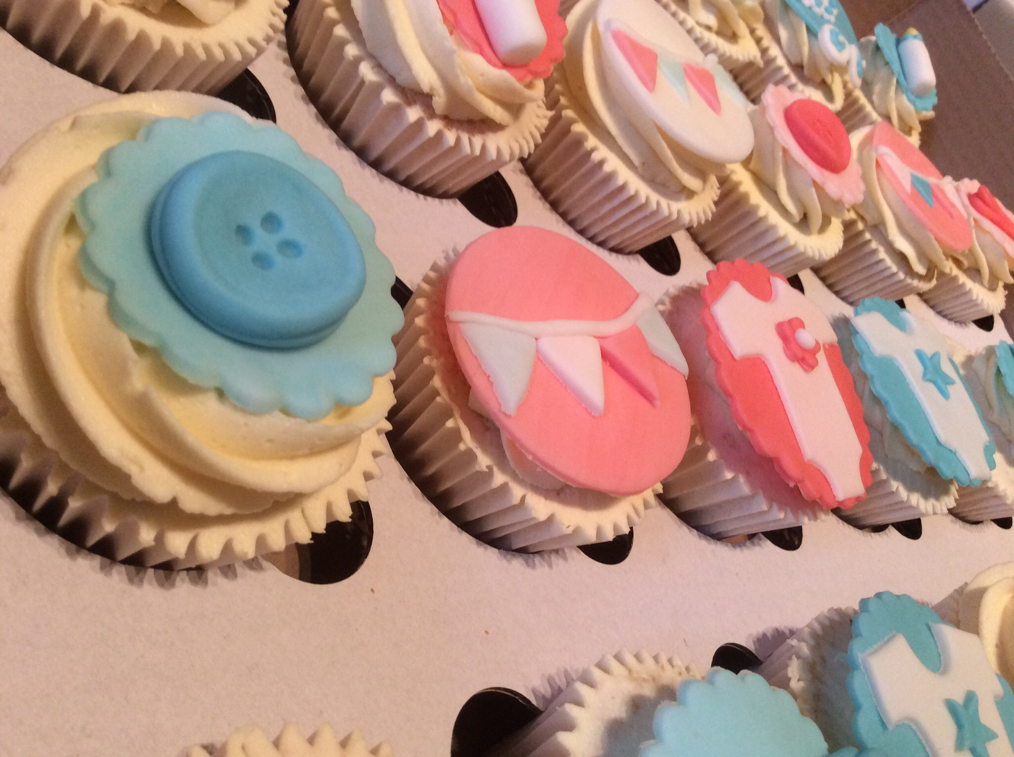 Baby Shower Cakes Edinburgh ~ Baby shower cupcakes cakes by lizzie edinburgh