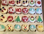 Christmas Cupcakes by Lizzie