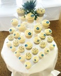 100 Wedding Cupcakes by Lizzie